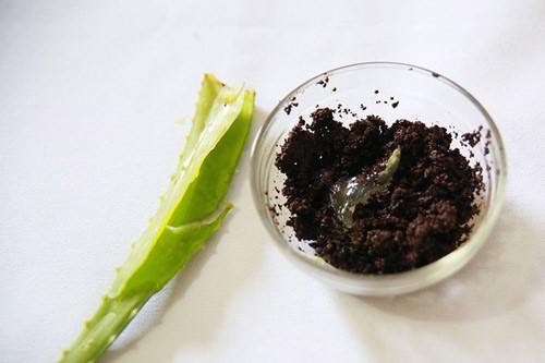 Công thức chữa rạn da dứt điểm với bã cà phê